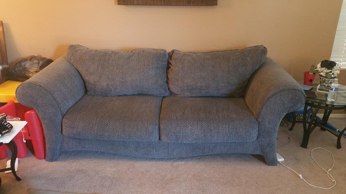free couch classified ads. Black Bedroom Furniture Sets. Home Design Ideas