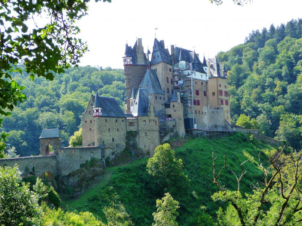 Burg Eltz 1.JPG
