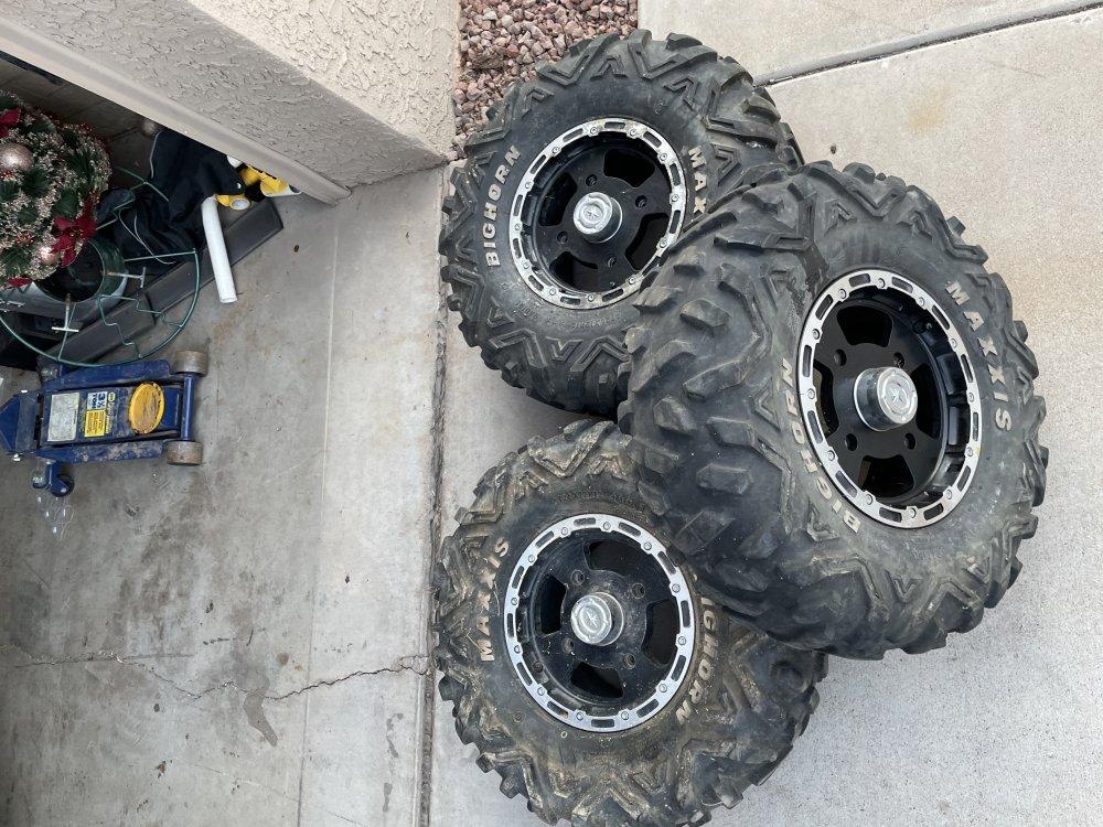 tires3.thumb.jpeg.3318591ff1385337b1f90a8ec58c3327.jpeg